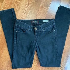 Guess blue jeans. Sarah fit. Mid rise skinny